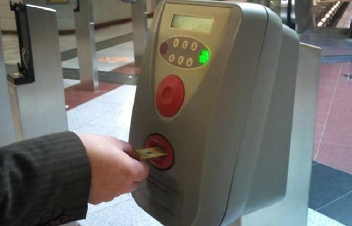 Όχι άμεσα η αύξηση στις τιμές των εισιτηρίων στα ΜΜΜ