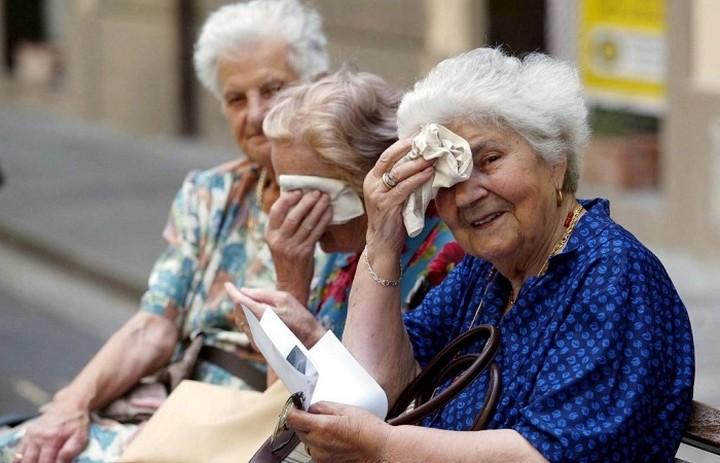 Αλαλούμ με τις συντάξεις: Ποιοι βγαίνουν με μειωμένη στα 62 και ποιοι με πλήρη στα 67