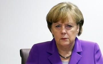 Μέρκελ: Δεν μπορεί να υπάρξει «κούρεμα» στις καταθέσεις εντός της Ευρωζώνης