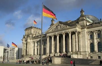 Βερολίνο: Παρακολουθούμε στενά τις διαπραγματεύσεις
