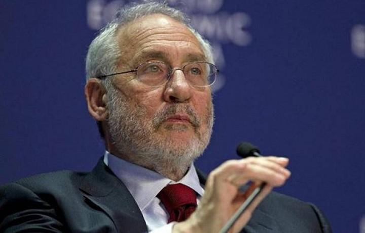 Στίγκλιτς: Η Ελλάδα είναι πεδίο μάχης των ιδεών και της οικονομικής δύναμης
