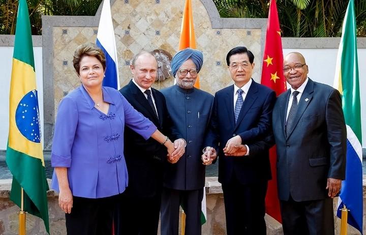 Εγκαίνια σήμερα για τη Νέα Αναπτυξιακή Τράπεζα των χωρών BRICS στη Σανγκάη