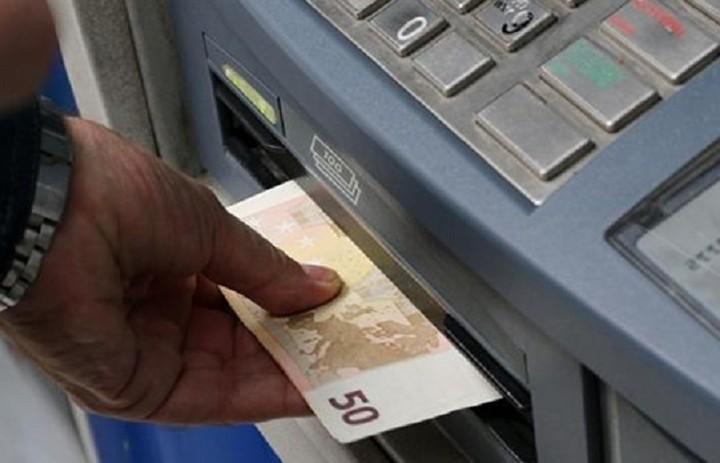 «Ανάσα» η νέα υπουργική απόφαση για τα capital controls - Ποιοι μπορούν να κάνουν ανάληψη μέχρι 50.000 ευρώ/ημέρα