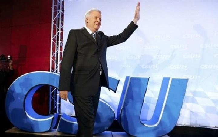 Die Welt: Κατά ενός Grexit τάσσεται ο πρόεδρος του CSU Χορστ Ζέχοφερ