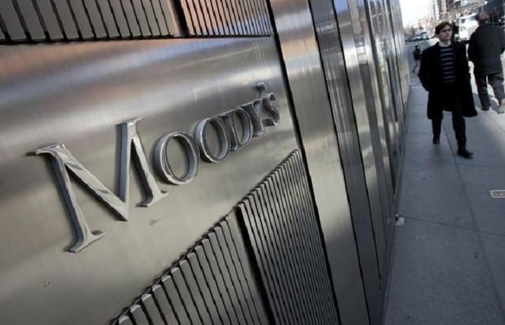 Moody's: Η μεγαλύτερη απειλή της Ευρωζώνης είναι η πολιτική αστάθεια στην Ελλάδα