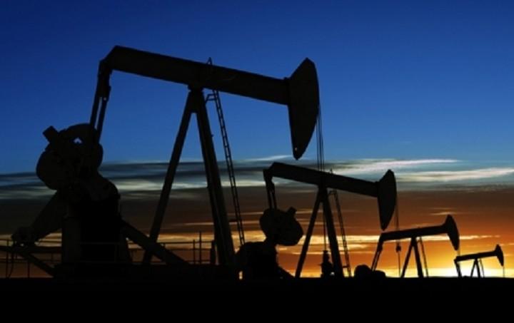 Πτώση στην τιμή του πετρελαίου