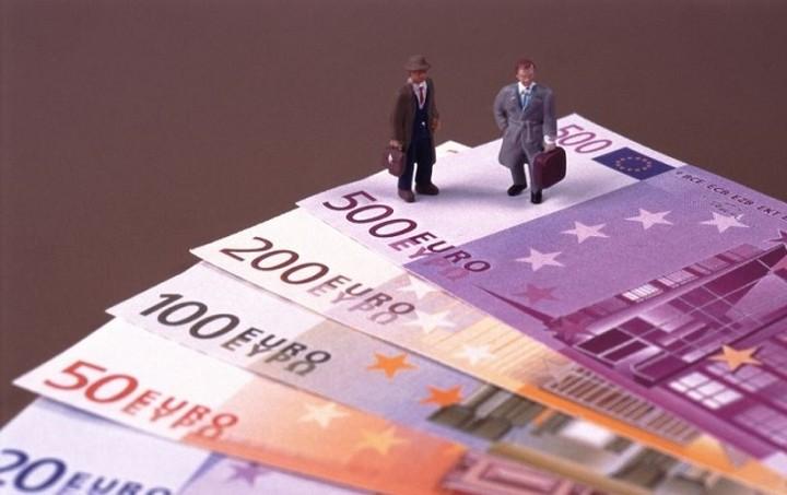 Ανοίγουν οι τραπεζικοί λογαριασμοί των φοροφυγάδων