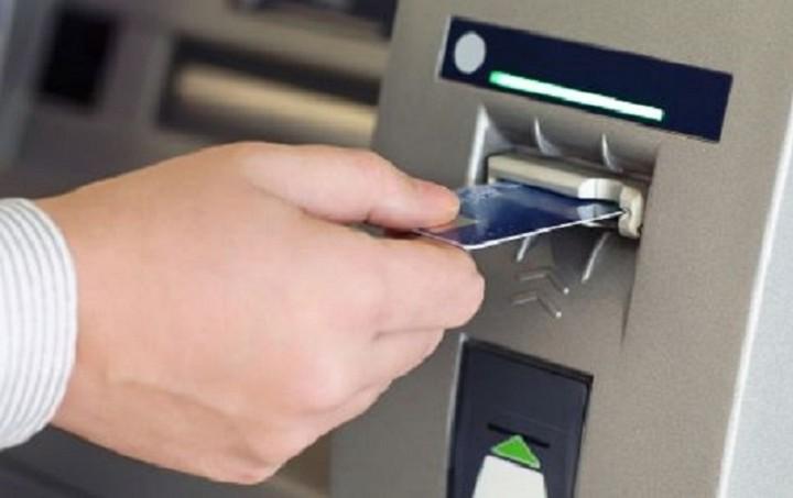 Capital Controls: Οι νέες οδηγίες για αναλήψεις, δάνεια και πιστωτικές κάρτες