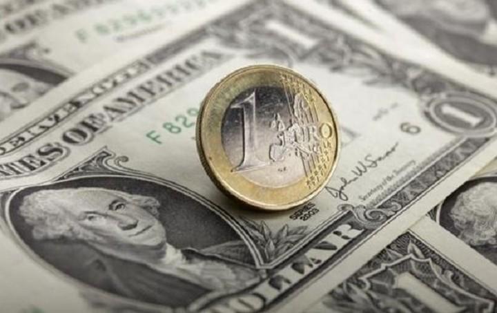 Συνάλλαγμα: Στα 1,0964 δολάρια το ευρώ