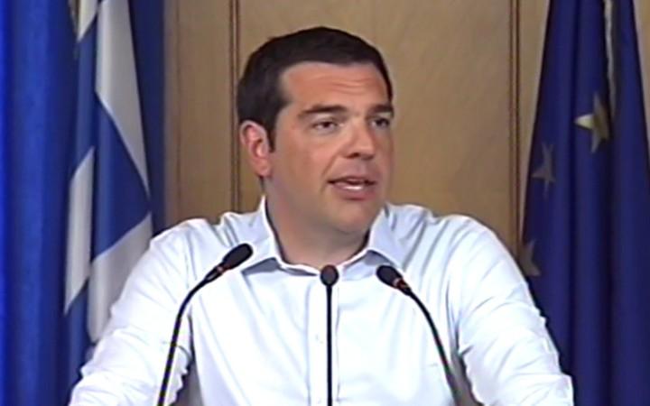 Έξι δισ. ευρώ και χαμηλούς συντελεστές υποσχέθηκε ο Τσίπρας στους αγρότες
