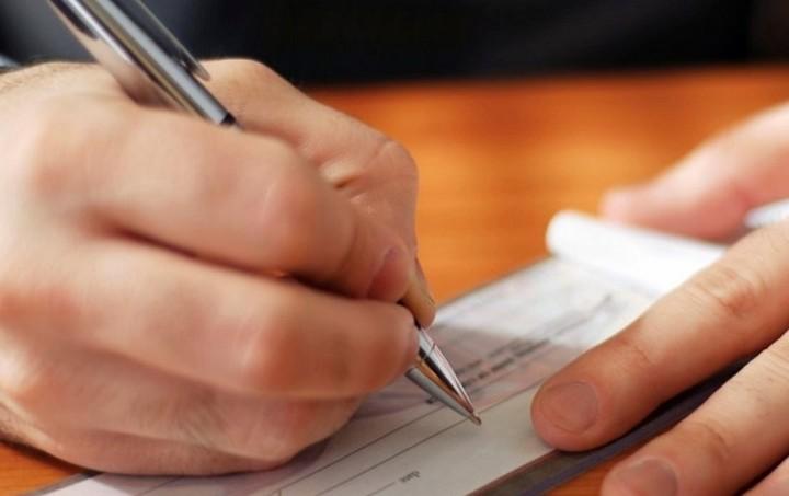 Διπλό φορο-σοκ για ελεύθερους επαγγελματίες και «μπλοκάκια»