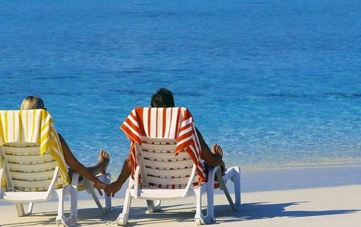 ΣΕΤΕ: Ανθεκτικός ο ελληνικός τουρισμός παρά το δύσκολο καλοκαίρι