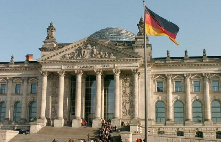 Η Γερμανία θα εξετάσει την τρίτη συμφωνία για να διασφαλίσει ότι θα κρατήσει για χρόνια