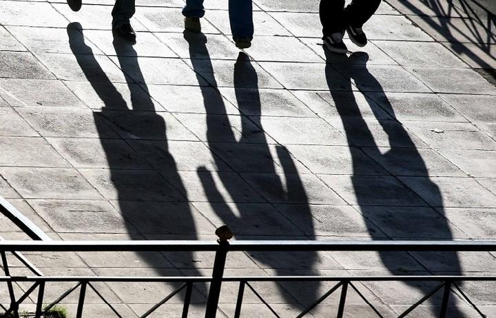 Η αύξηση του κατώτατου μισθού θα εκτόξευε την ανεργία