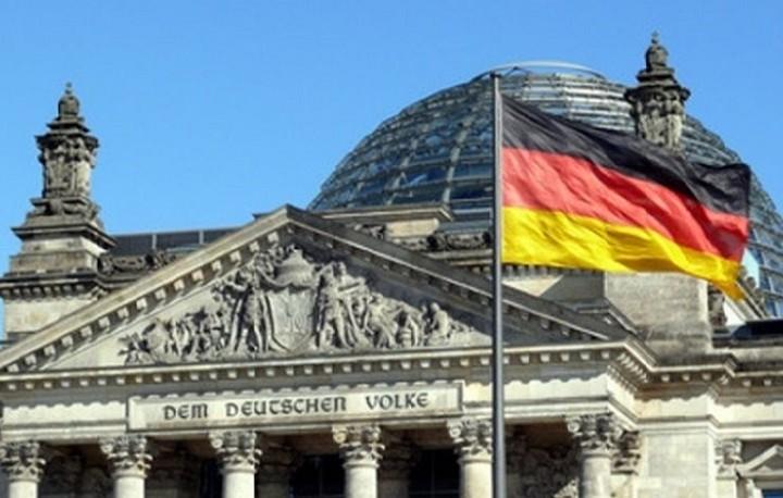 Γερμανικό ΥΠΟΙΚ: Απαραίτητη η συμμετοχή του ΔΝΤ στην ελληνική διάσωση
