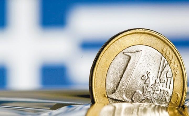 Bloomberg: Το 92% των οικονομολόγων είναι υπέρ της ελάφρυνσης του ελληνικού χρέους
