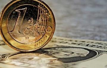 Οριακή άνοδος του ευρώ έναντι του δολαρίου