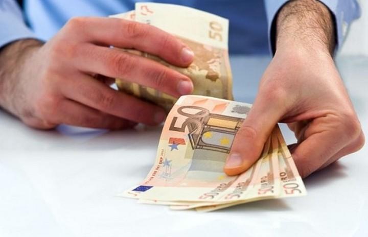 Τι «χαράτσι» ανά εργαζόμενο καλούνται όλοι οι εργοδότες να πληρώσουν τον Αύγουστο