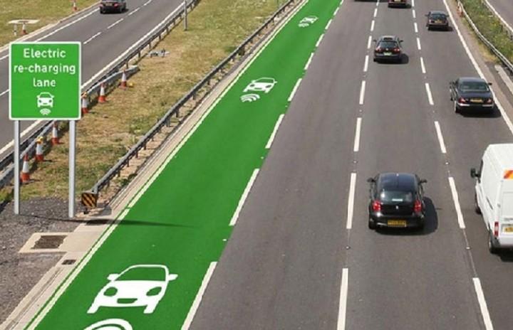 Έρχονται οι δρόμοι που θα φορτίζουν τα ηλεκτρικά αυτοκίνητα καθώς αυτά κινούνται!
