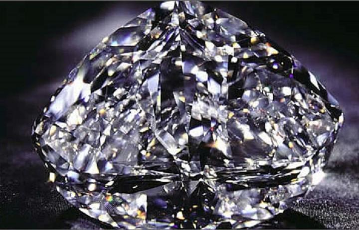 Παρά την κρίση τα μεγάλα διαμάντια διατηρούν την αξία τους