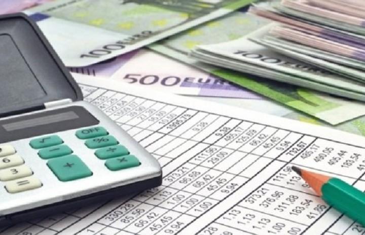 Οι φόροι που καταργούνται για πολίτες και επιχειρήσεις