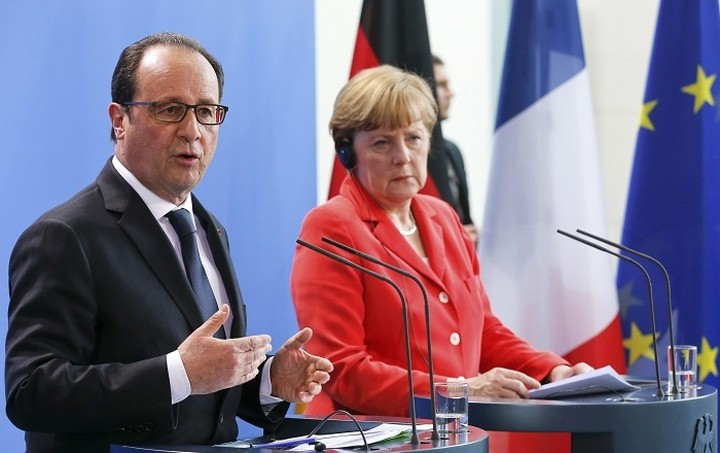 Μέρκελ - Ολάντ: Δεν απειλείται η Ευρωζώνη από το «κραχ» στην Ασία