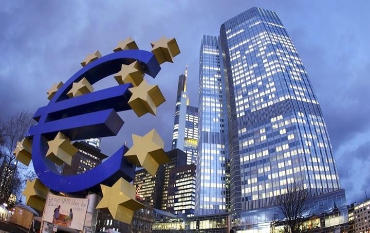 Κονστάντσιο: Η ΕΚΤ είναι έτοιμη να λάβει πρόσθετα μέτρα