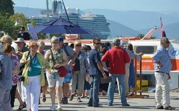 Σε νέο ρεκόρ ο ελληνικός τουρισμός