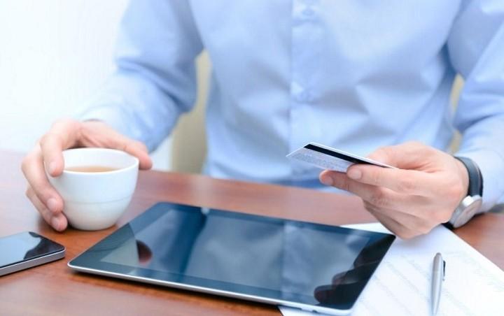 Δείτε πώς θα εκμεταλλευτείτε τα δώρα του e-banking