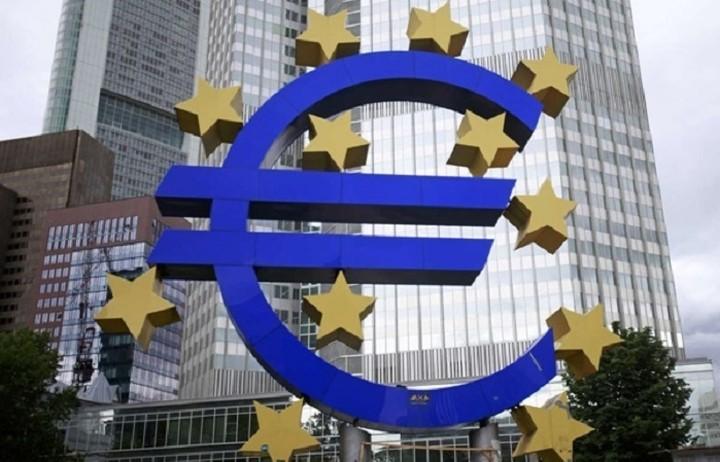 Νέα στοιχεία για την αξιολόγηση της ευρωστίας των τραπεζών ζητά η ΕΚΤ