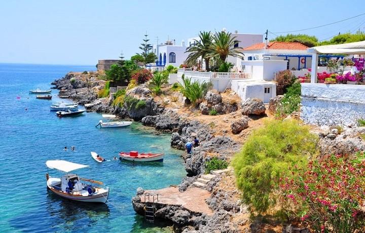 Ποιο ελληνικό νησί έγινε «το νησί των ονείρων» του Guardian