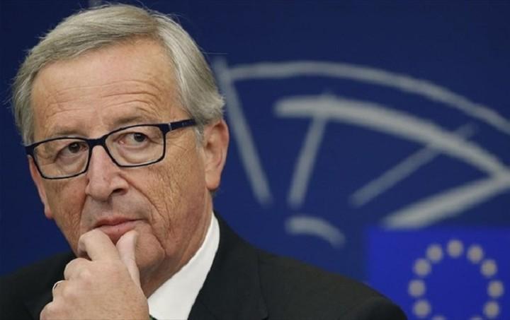Γιούνκερ: Όσα κράτη της ΕΕ δεν επιθυμούν πρόσφυγες θα πληρώνουν