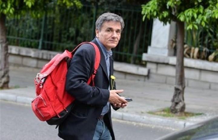 Τσακαλώτος: Κανένας μεγάλος συνασπισμός δεν εγγυάται ρύθμιση του χρέους