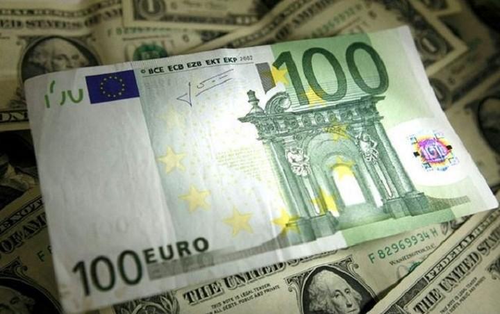 Συνάλλαγμα: Στα 1,1192 δολάρια το ευρώ