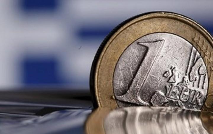 Reuters: Στην εντατική η ελληνική οικονομία λίγο πριν τις εκλογές
