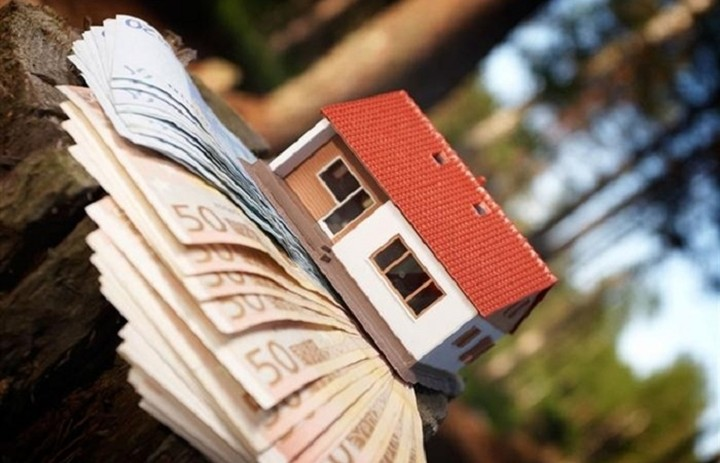 Τι αλλάζει για τους δανειολήπτες με το Νόμο Κατσέλη για τα Υπερχρεωμένα Νοικοκυριά