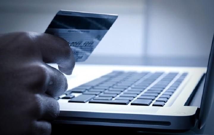 «Ξεμπλοκάρουν» οι πληρωμές προς Paypal και eBay μέσω ίντερνετ