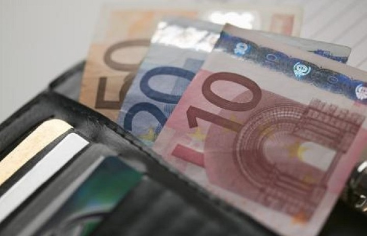 Τι δείχνει η έκθεση του ΟΟΣΑ για τα ελληνικά νοικοκυριά και το κατά κεφαλήν εισόδημα