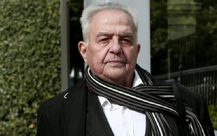 Καθηγητής Συνταγματικού Δικαίου: Αν δεν έγινε μεταβίβαση των μετοχών του κ.Φλαμπουράρη, υπάρχει πρόβλημα