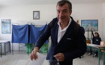 Θεοδωράκης: «Η Ελλάδα μπορεί και πρέπει να κάνει το άλμα στο μέλλον»