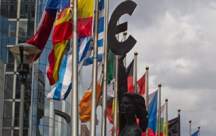 Deutsche Welle: Νέα αρχή των 28 στο προσφυγικό