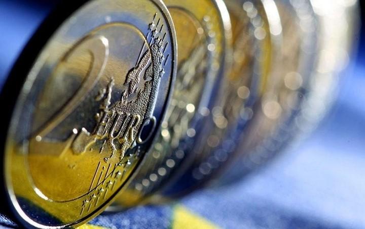 «Τρύπα» 4,153 δισ. ευρώ στα έσοδα το οκτάμηνο
