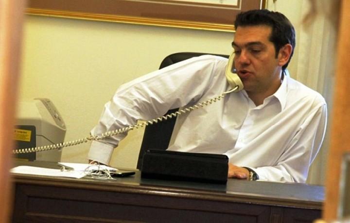 Τηλεφωνική επικοινωνία είχε ο Τσίπρας με Γκουρία και Ραούλ Κάστρο