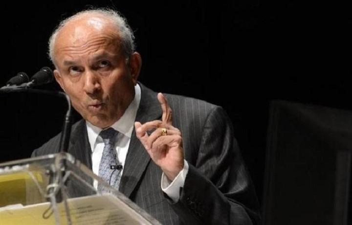 Αυτός ειναι ο πρώτος μεγιστάνας που θα βάλει λεφτά στις ελληνικές τραπεζες