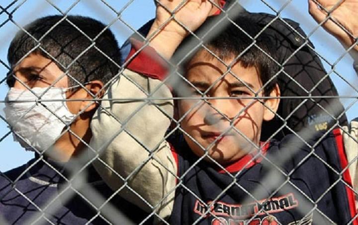 Τηλεδιάσκεψη Τσίπρα-Μέρκελ-Φάιμαν για τους πρόσφυγες