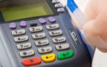 Αντιδράσεις για την άρνηση γιατρών να πληρώνονται με κάρτες