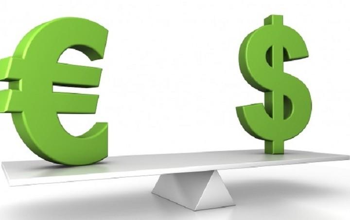 Με οριακά κέρδη το ευρώ έναντι του δολαρίου