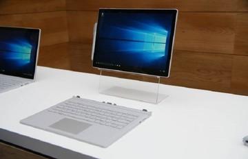 Η Microsoft παρουσίασε το πρώτο της laptop