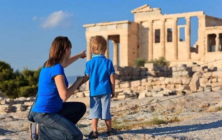 «Απογειώθηκε» ο τουρισμός το α΄ 6μηνο του 2015 -Ποιοι λαοί προτίμησαν την Ελλάδα για διακοπές