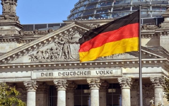 Γερμανικό ΥΠΟΙΚ: Το ΔΝΤ πρέπει να συμμετέχει στο ελληνικό πρόγραμμα